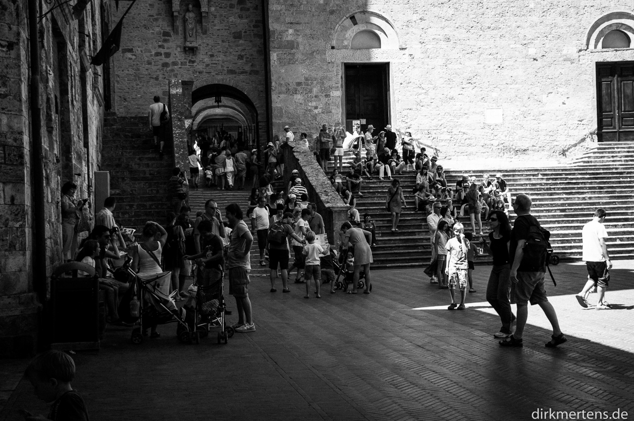 Tourists searching shadow