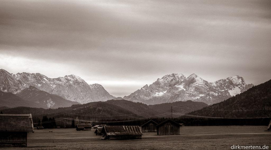 Musterstein 2478 m, Alpspitze  2628 m und ganz rechts  Zugspitze