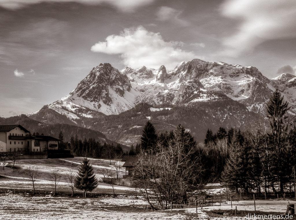 Gamsleitenkopf 2346 m und Torsäule 2588 m
