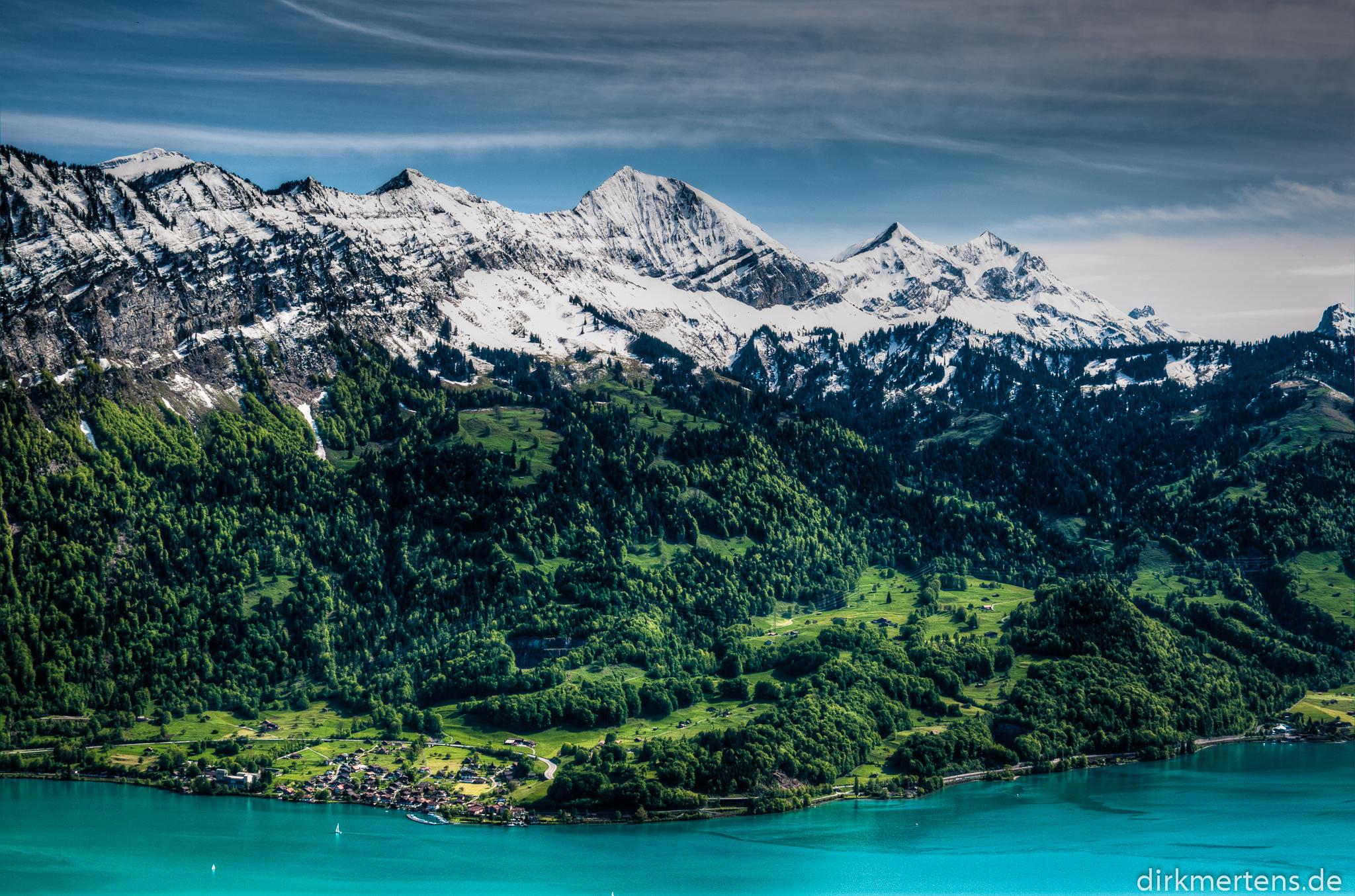Thuner-See-von-Beatenberg-aus
